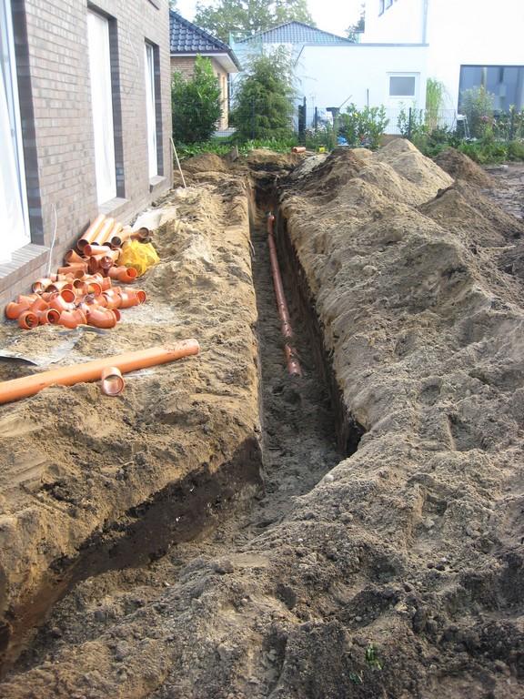 Regenwasserzuleitung zur Rigole